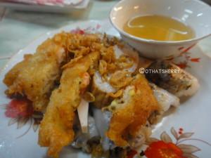 Vietnamese street food, banh cuon